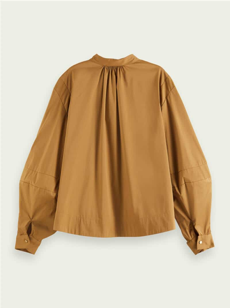Puffed long-sleeved blouse